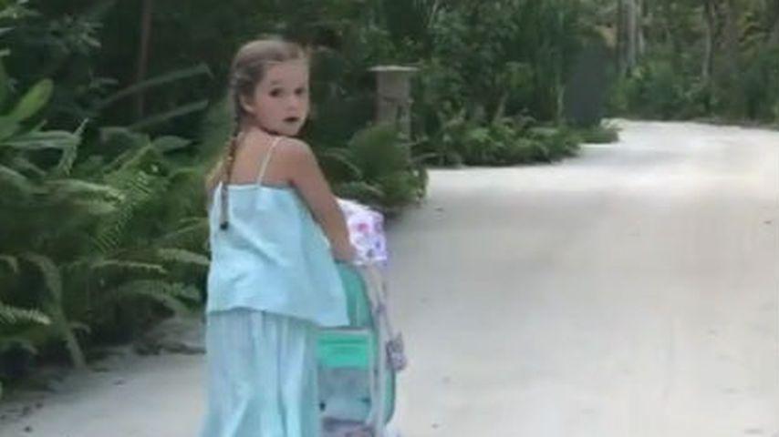 Süße Beach-Lady: Harper Beckham (5) ist echt groß geworden!
