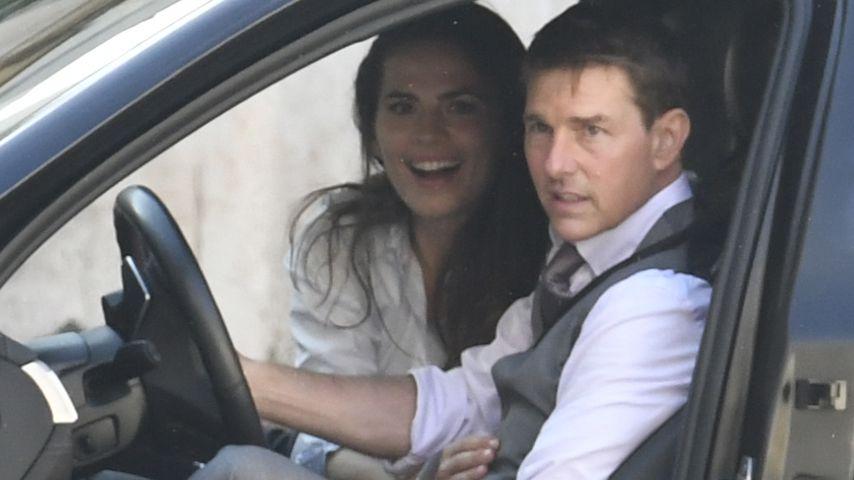 """Hayley Atwell und Tom Cruise am Set von """"Mission: Impossible 7"""" in Rom im Oktober 2020"""