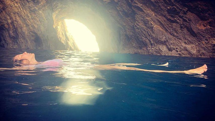 Schon wieder illegales Baden? Heidi Klum planscht in Grotte