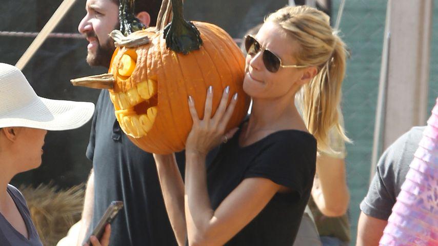 Happy Halloween! Heidi Klum mit riesigem Grusel-Kürbis