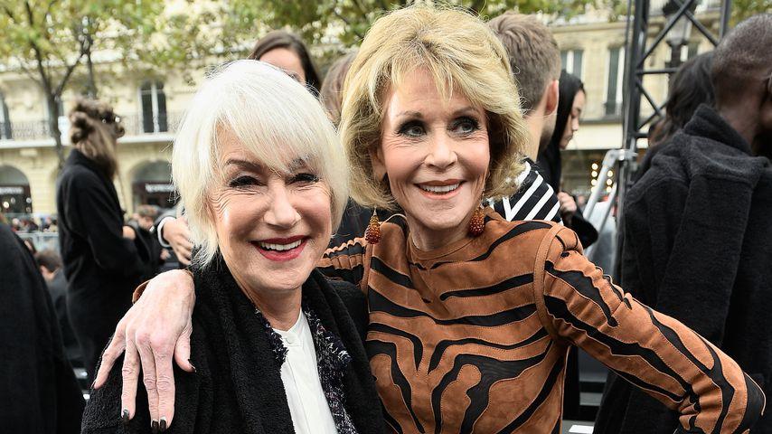 """Helen Mirren und Jane Fonda bei der """"L'Oreal""""-Laufsteg-Show"""