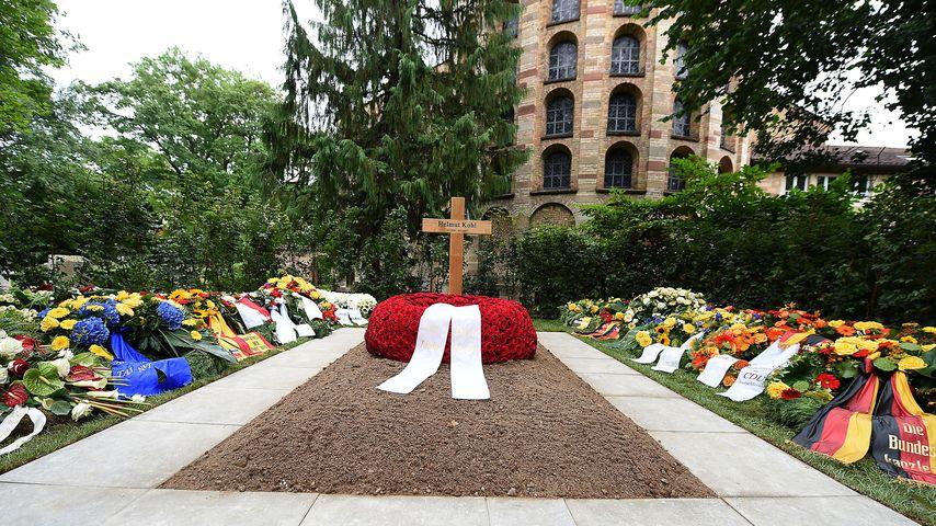 1. Bilder seines Grabs: Hier findet Kohl seine letzte Ruhe