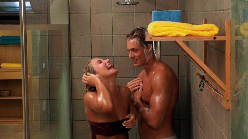 """Fummelei in der Dusche: """"Love Island""""-Henrik geht fremd!"""