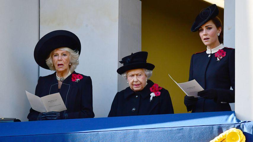 Herzogin Camilla, Queen Elizabeth II. und Herzogin Kate beim Remembrance Sunday