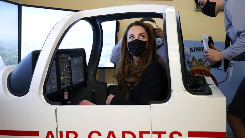 Herzogin Kate bei einem Besuch der Squadron Air Training Corps, April 2021