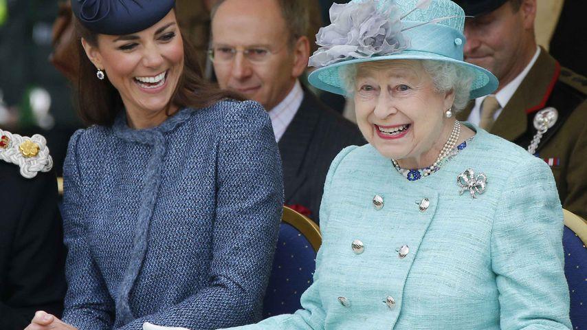 Erbarmungslose Queen: Kate soll zurück an die Arbeit!