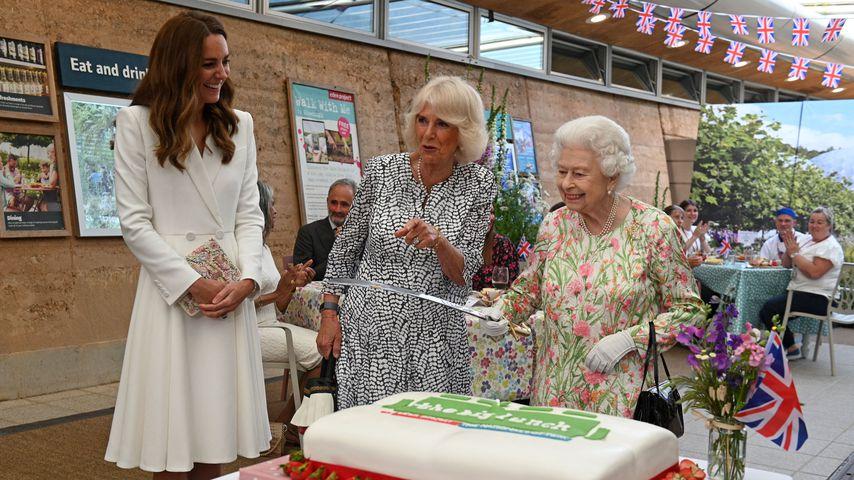 Herzogin Kate, Herzogin Camilla und Queen Elizabeth II. beim Eden Project