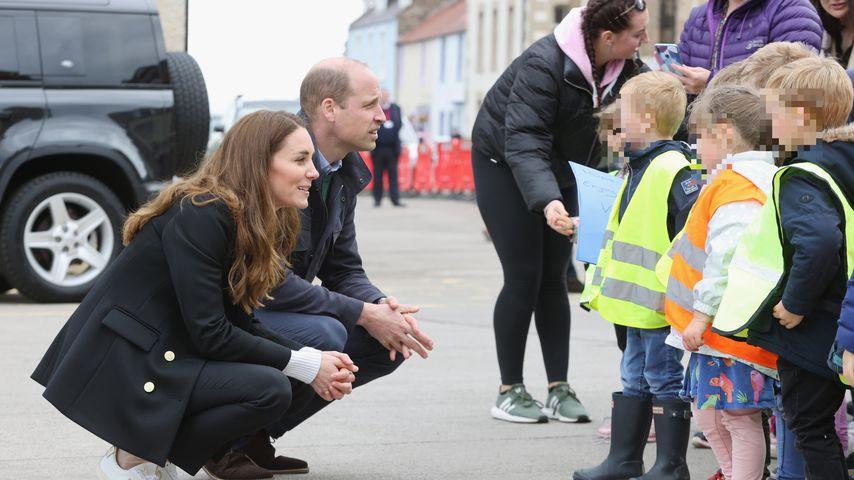 Fans sind entzückt: Prinz William und Kate plaudern mit Kids