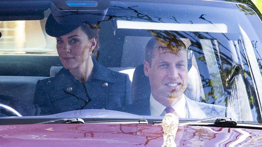 Herzogin Kate und Prinz William auf dem Weg zu einem Gottesdienst in Crathie (Großbritannien)