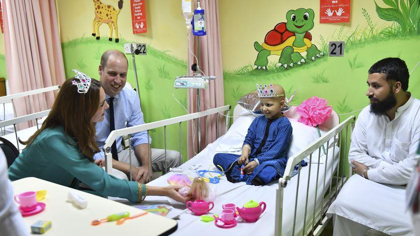Auch Diana war da: William und Kate besuchen Krebsklinik