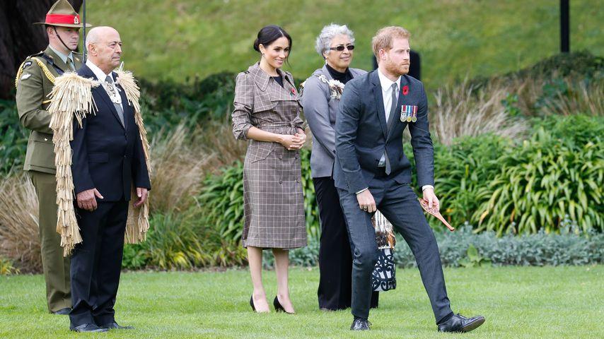 Herzogin Meghan und Prinz Harry bei einem Haka-Tanz