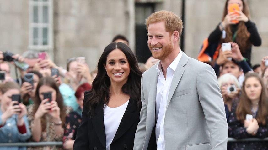 Kein Bock auf Etikette: Meghan und Harry halten Händchen!