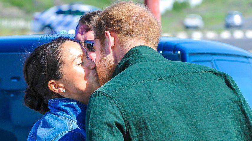 Vor Abschied: Romantischer Kuss zwischen Harry und Meghan