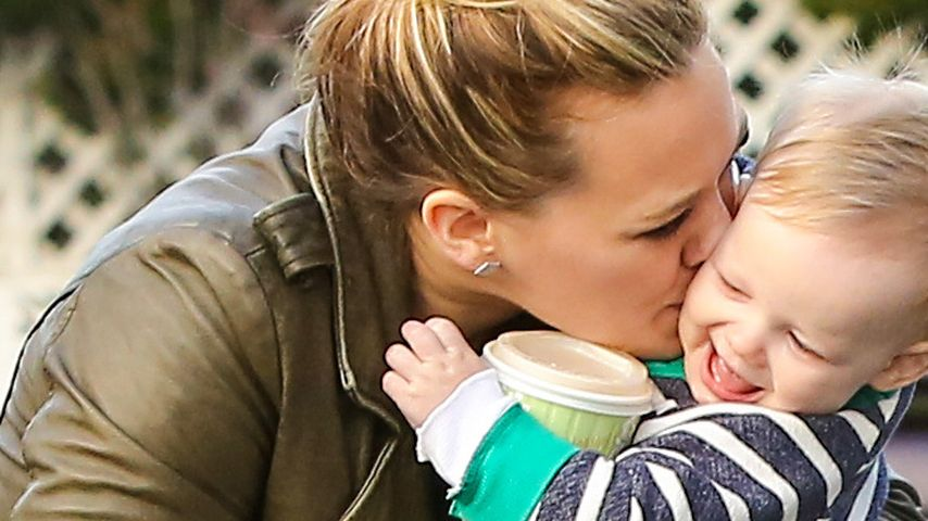 Hilary Duff: Dicker Schmatzer für den süßen Luca