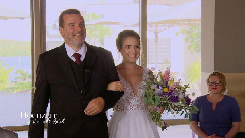 """""""Hochzeit auf den ersten Blick""""-Kandidatin Daniela mit ihrem Vater"""