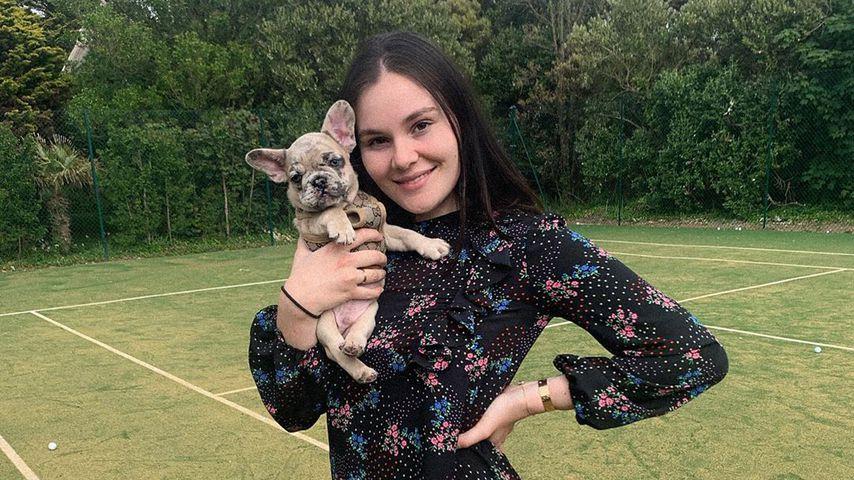 Holly Ramsay mit ihrem Hund Trüffel, Mai 2020