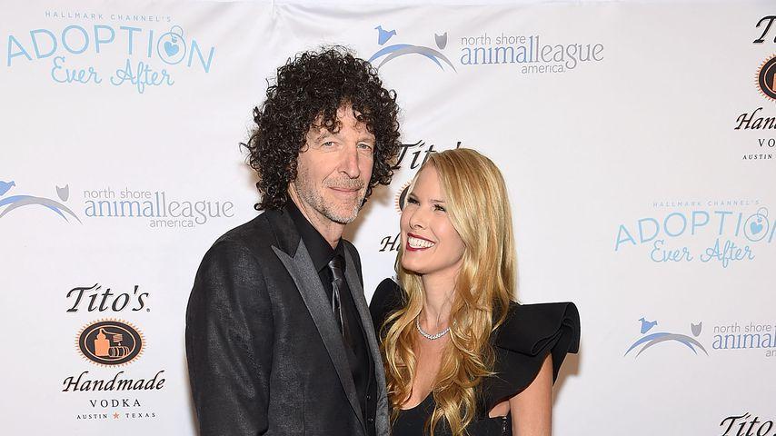 Howard Stern und seine Frau Beth bei einer Gala