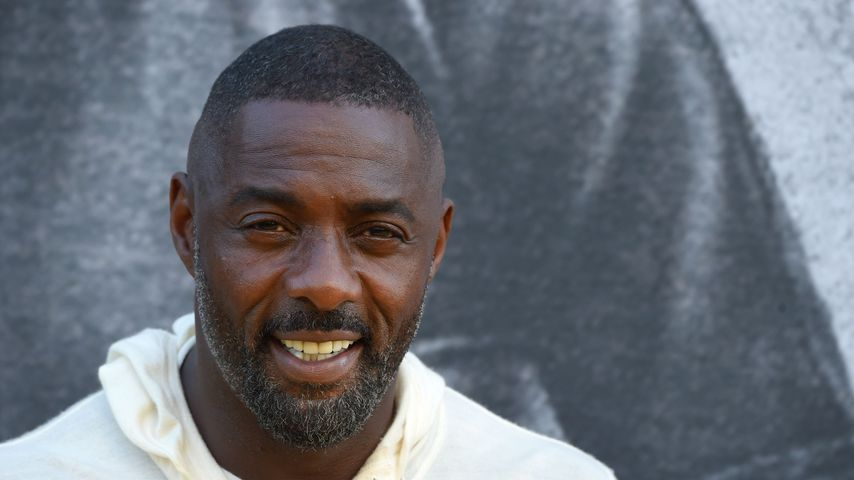 Coole Socke! Hier ist Idris Elba als DJ in Berlin unterwegs