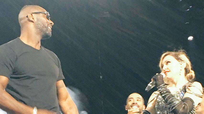 Idris Elba und Madonna bei einem Konzert im November 2015