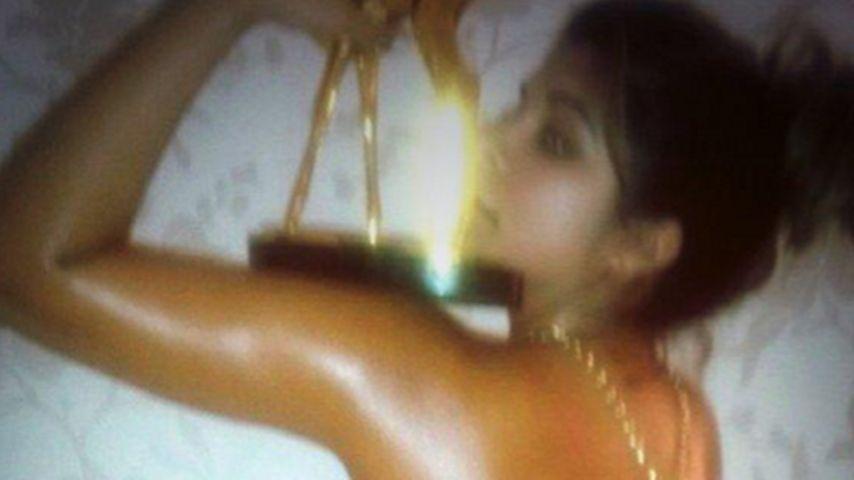 Sex sells! Indira will ihren Bambi versteigern