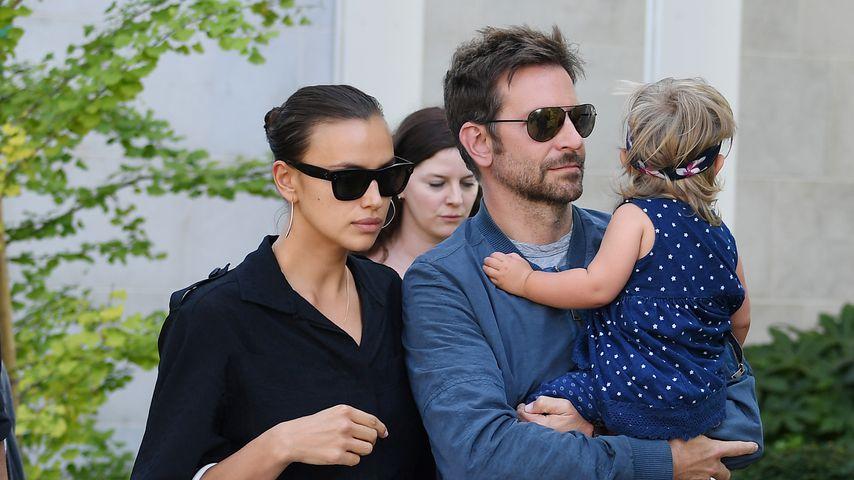 Bradley Cooper & Irinas Töchterchen Lea läuft an der Leine!