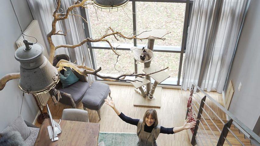 Mammut-Schaukelpferd: SO wohnt Isabell Horn mit Klein-Ella!