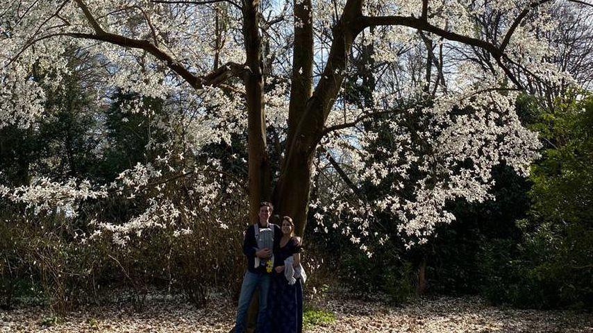 Jack Brooksbank und Prinzessin Eugenie mit ihrem Sohn
