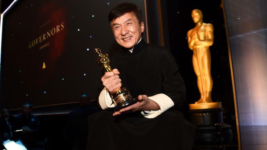 Nach 56 Jahren Karriere: Endlich ein Oscar für Jackie Chan!