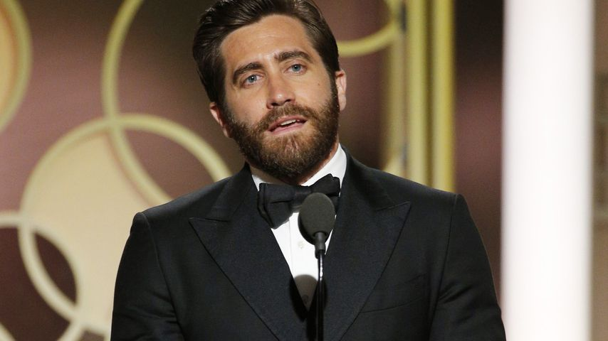 jake gyllenhaal golden globes 2017 - photo #5