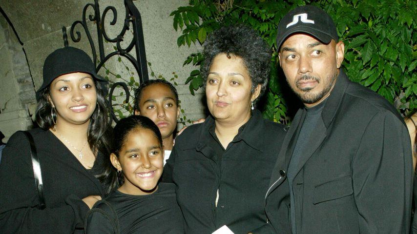 James Ingram mit seiner Familie auf einem Event, 2002