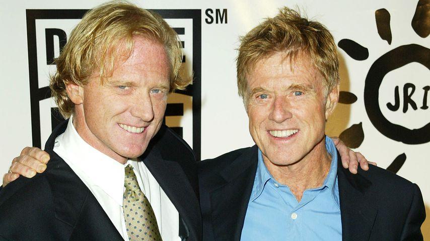 James und Robert Redford 2003 in Los Angeles