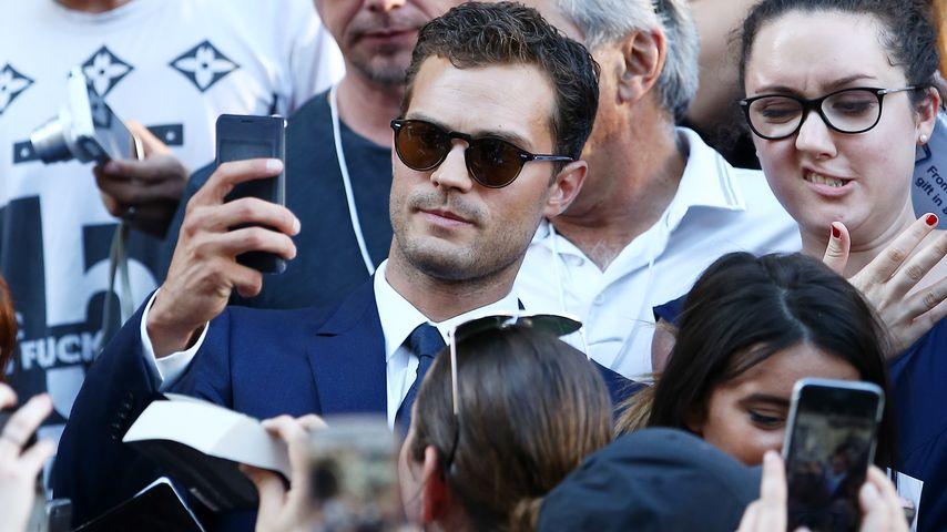"""Schauspieler Jamie Dornan bei einer Dreh-Pause am Set von """"Shades of Grey"""""""