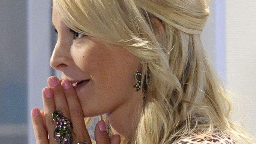 Verbotene Liebe-Jana Julie zeigt Fake-Babybauch