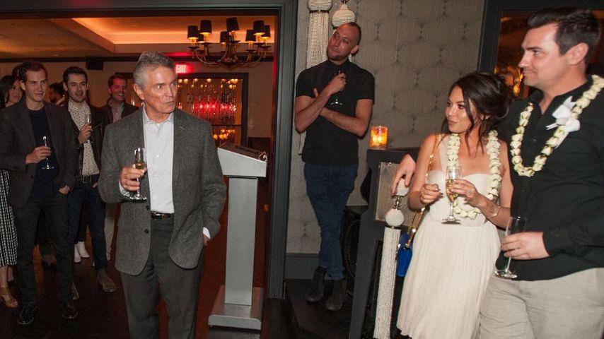Janel Parrish, Chris Long und sein Vater Herbert bei der Verlobungsfeier
