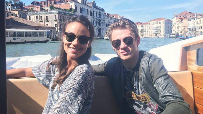 Janina Uhse und Vincent Krüger bei Dreharbeiten in Venedig