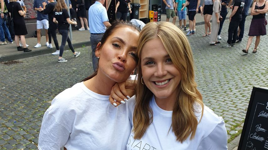 Janine Pink und Alina Merkau beim Original Way Coke Food-Festival in Köln