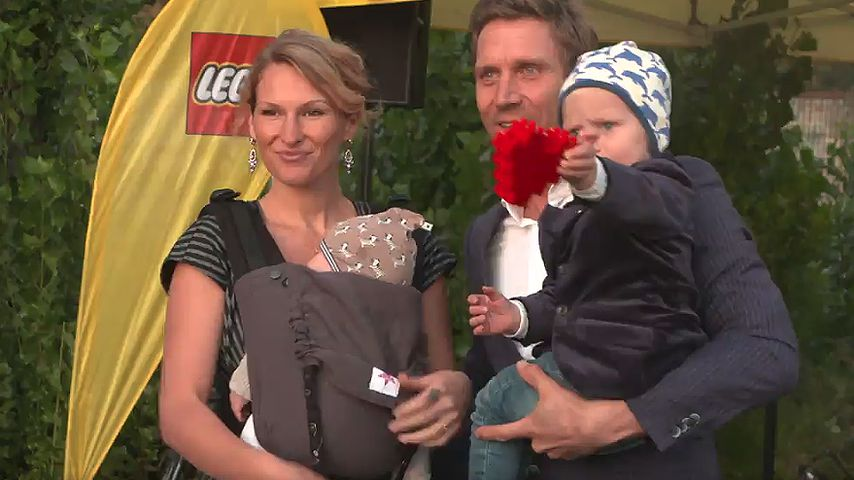 Janni und Peer Kusmagk mit ihren Kids Yoko und Emil-Ocean