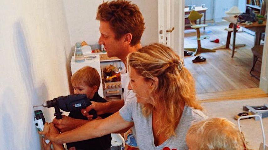 Janni und Peer Kusmagk mit ihren Kids in Berlin im Oktober 2020