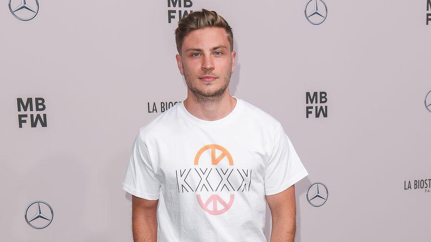 Jannik Schümann, 2019 bei der Berlin Fashion Week