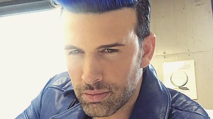 Jay Khan hat die Haare blau: So erklärt er die krasse Frise!