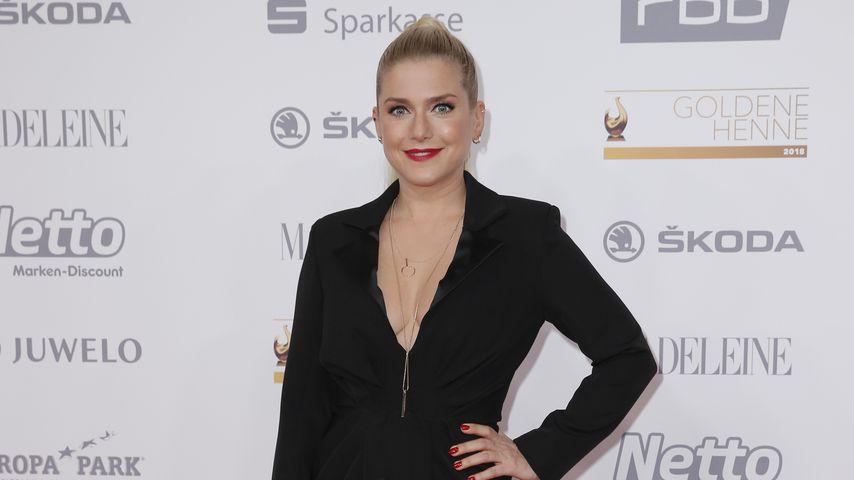 """Jeanette Biedermann vor der Verleihung der """"Goldenen Henne"""""""