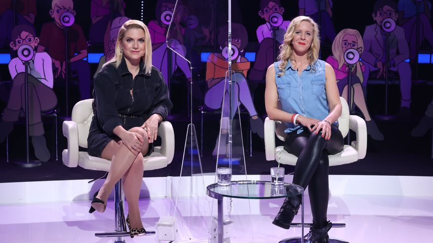 """Jeanette Biedermann und Superfan Jenny bei """"I Can See Your Voice"""""""