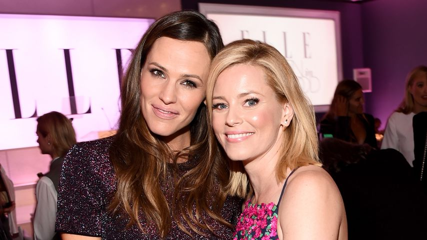 "Jennifer Garner und Elisabeth Banks bei der 21. ""ELLE's  Annual Women in Hollywood Celebration"""