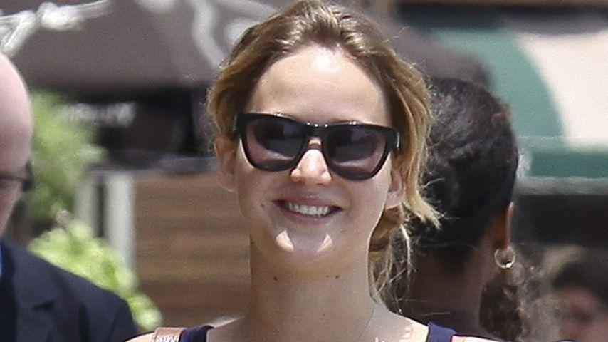 Jennifer Lawrence' Brustwarzen zeichnen sich ab!
