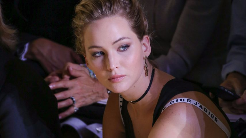 Jennifer Lawrence in der Front Row der Dior-Show in Paris