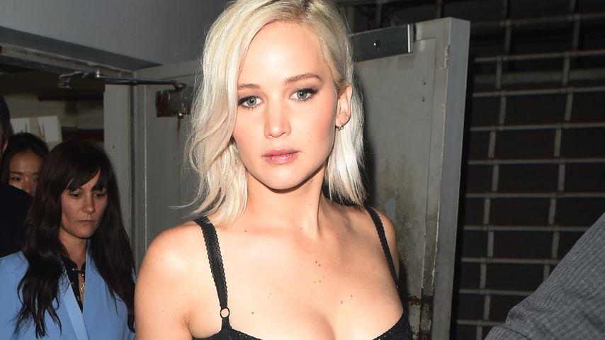 "Jennifer Lawrence beim Verlassen des Londoner Nachtclubs ""Tape"""