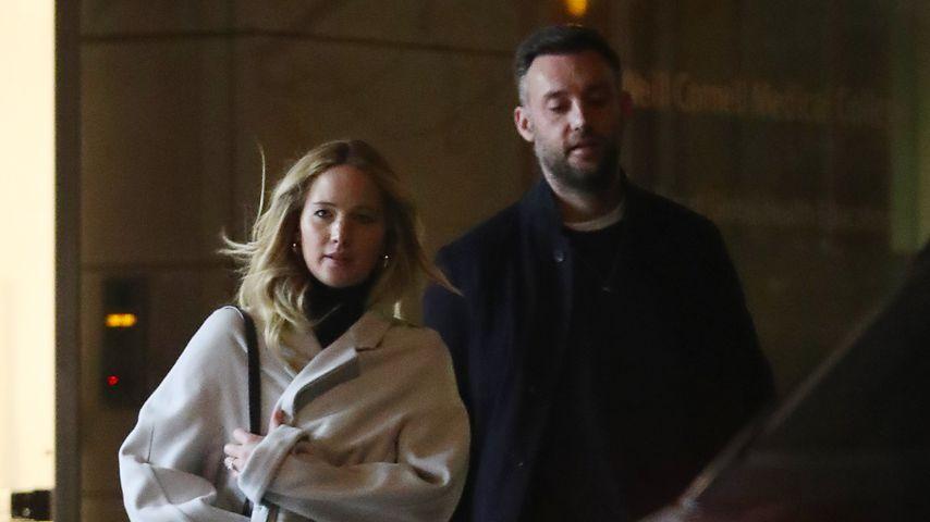 Jennifer Lawrence mit ihrem Verlobten Cooke Maroney in New York