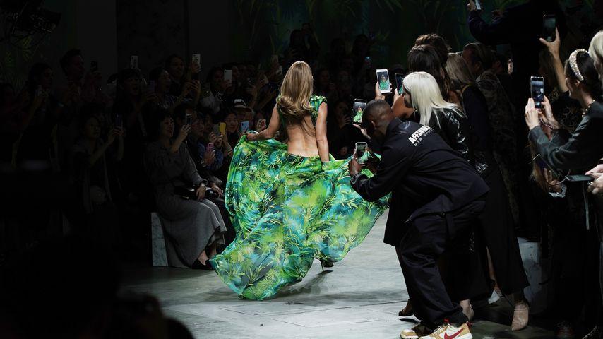 Jennifer Lopez auf der Mailand Fashion Week 2019