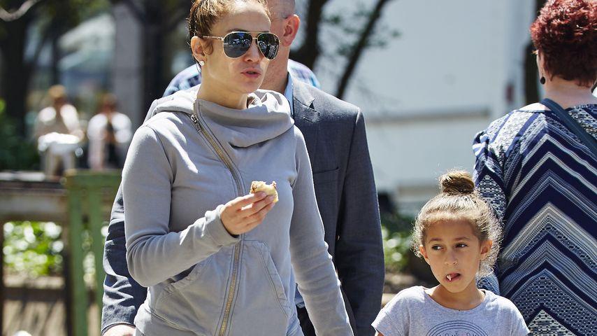 Jennifer Lopez und Emme Maribel Muñiz