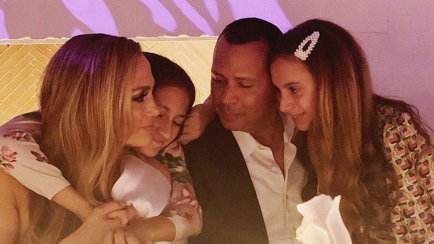 Jennifer Lopez und Alex Rodriguez mit seinen Zwillingen Emme und Max bei der Verlobungsfeier